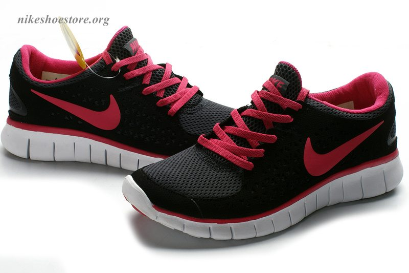 best loved running shoes fashion Hot Pink And Black Nike Free Runs - Musée des impressionnismes Giverny